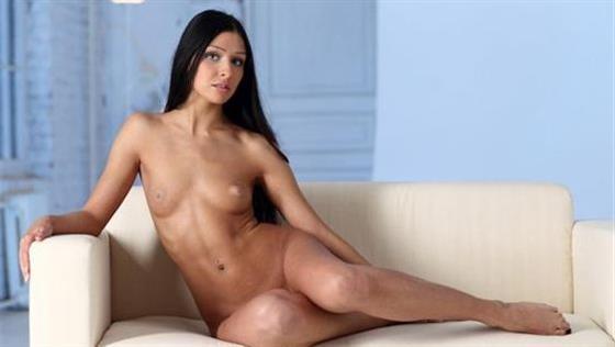 Skinny Indian Companion Briana Kissing 1 Of 7