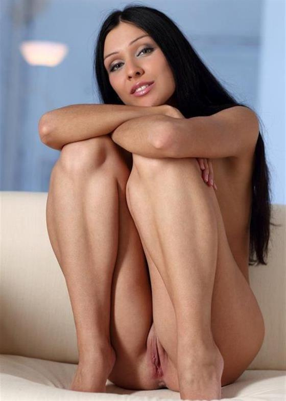 Fit Bulgarian Women Kathleen Legs 1 Of 19