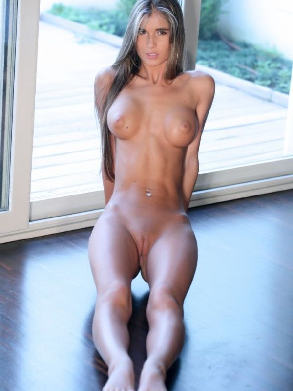 Fit Turkish Girl Shirley Small Tits Images 1 Of 15