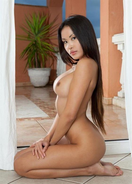 Wild Malaysian Girlfriend Jadyn Stripper 1 Of 25