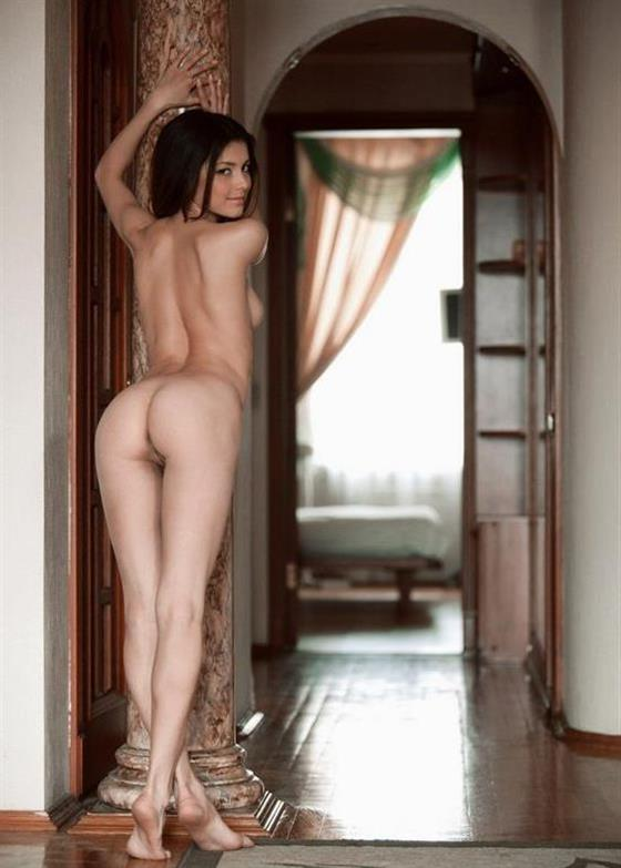 Nude Ukrainian Model Araceli Fitness Pics 1 Of 18