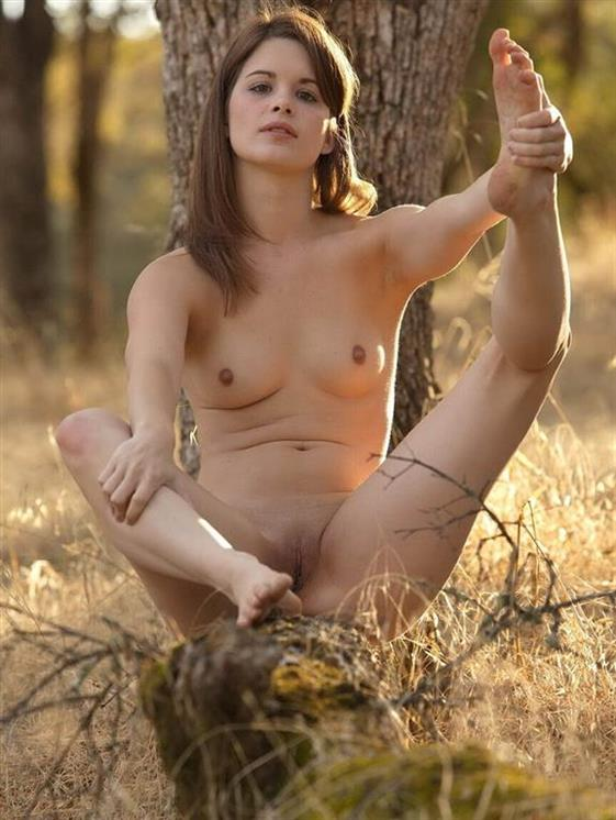 Exotic Brazilian Female Neveah Cowgirl Pics 1 Of 12