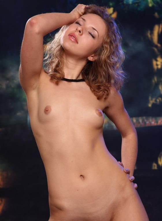 Luxurious Bulgarian Companion Kianna Blonde Pics 1 Of 16