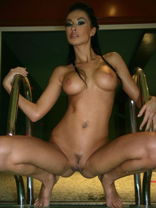 Hot Turkish Sweetheart Lacey Legs Pictures 1 Of 3