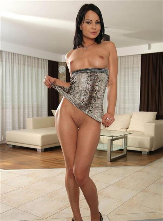 Erotic Latin Escort Juliette Piercing 1 Of 4