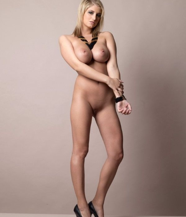 Tight Ukrainian Girl Vanessa High Quality Pics 1 Of 20