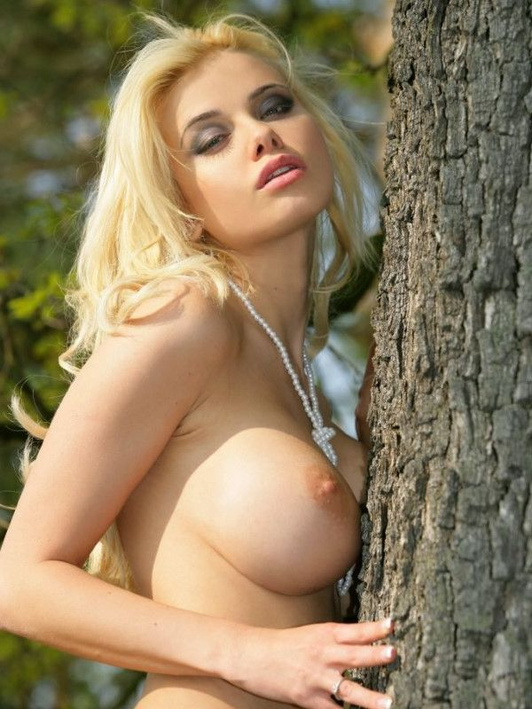 Naughty Slovakian Escort Riya Blonde Images 1 Of 16