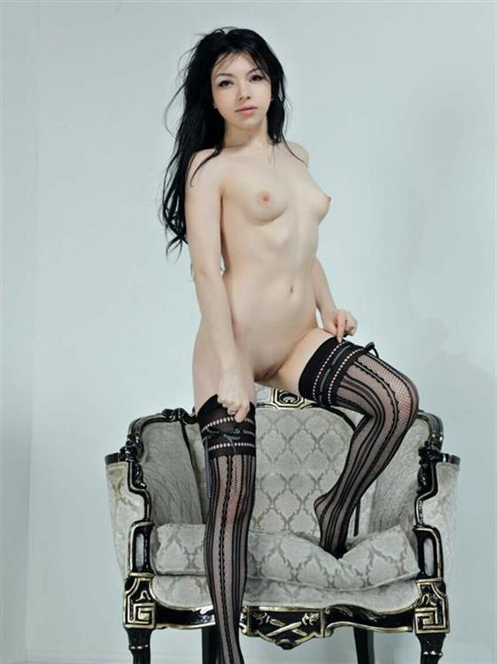 Fresh Romanian Girl Yasmin Brunette Photos 1 Of 4