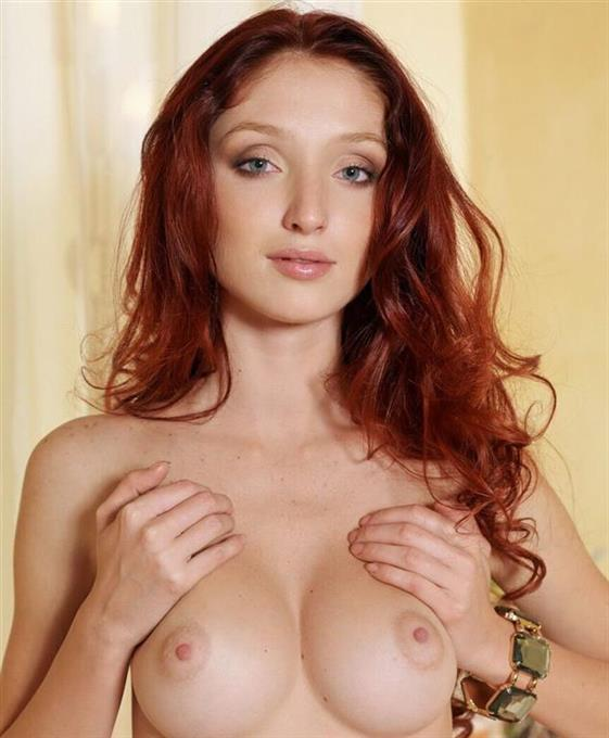 Curvy Lithuanian Model Frida Saggy Tits Pictures 1 Of 4