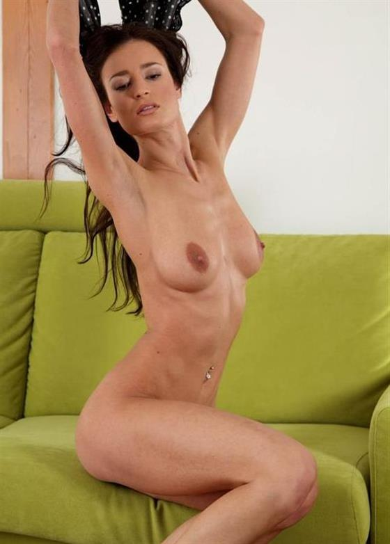 Fit Saudi Arabian Girl Yazmin Groupsex Pictures 1 Of 28