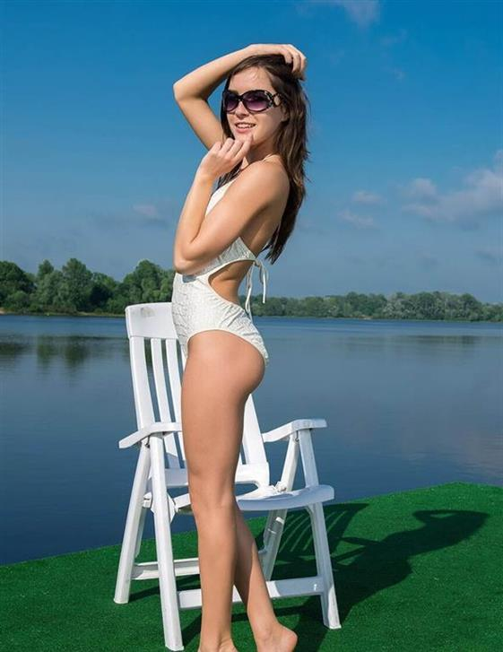 Lovely Lithuanian Call Girl Melany Cowgirl Pictures 1 Of 12