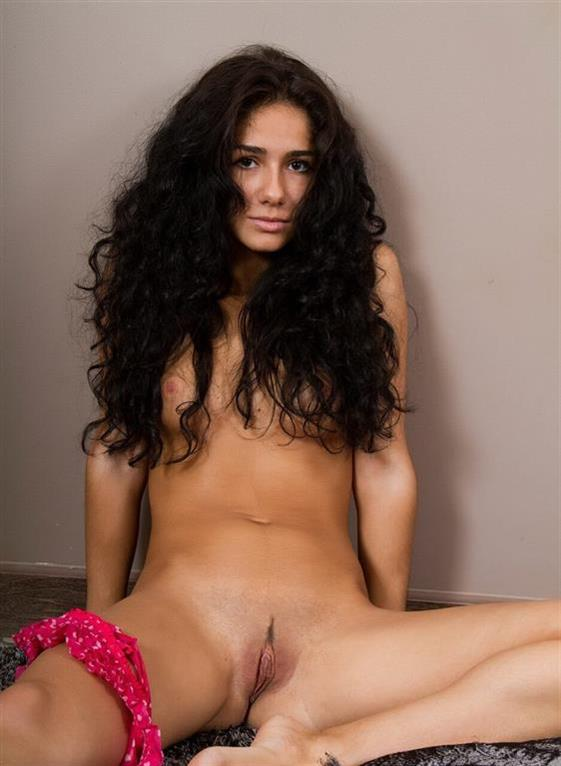Fancy Iranian Model Hayden Big Pussy Images 1 Of 21