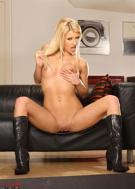 Naked Indian Sweetheart Melina Fisting 1 Of 20