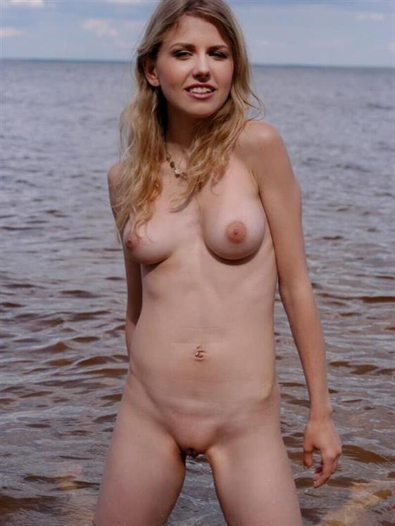 Deluxe Lithuanian Girl Alyson High Quality Pics 1 Of 4