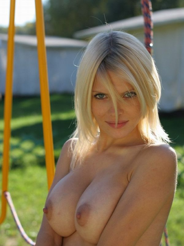 Sexy Ukrainian Girlfriend Clare Big Tits Pictures 1 Of 9