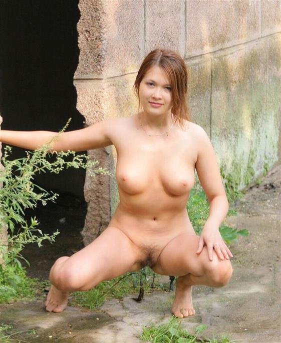Playfully Belarusian Women Leia Small Tits Pics 1 Of 4