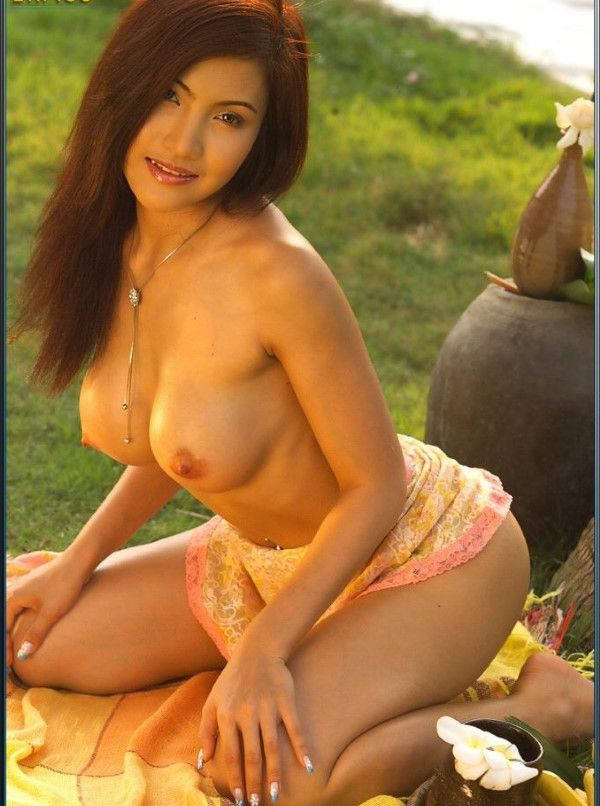 Naughty Malaysian Call Girl Yaritza Nipples Photos 1 Of 20
