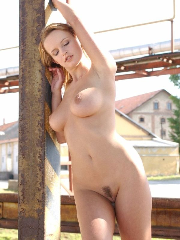 Curvy European Call Girl Caroline Feet Pics 1 Of 19