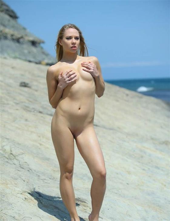 VIP Romanian Sweetheart Mylie Seduction Pics 1 Of 16