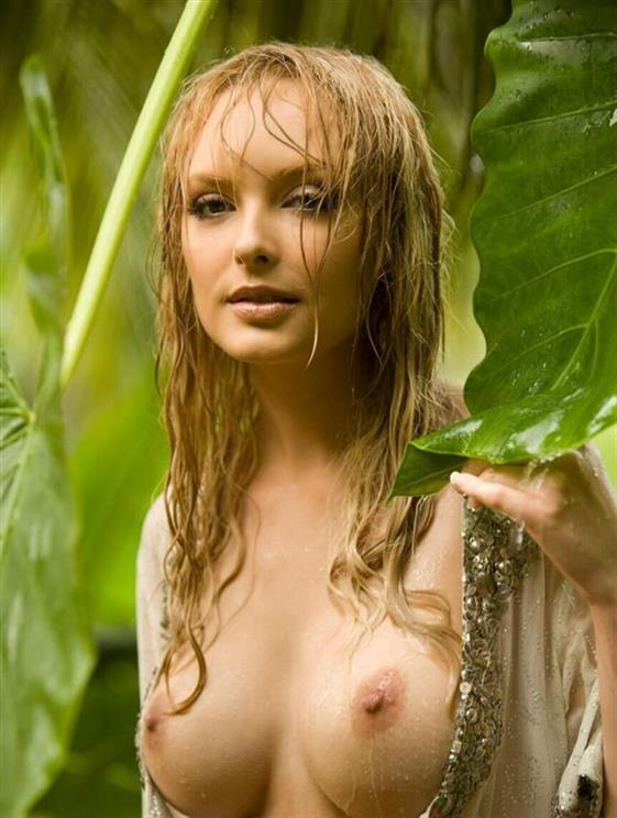 Natural Slovenian Model Nancy Wet Pussy Pics 1 Of 7