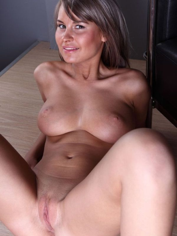 Luxurious Estonian Companion Miah Nipples 1 Of 8