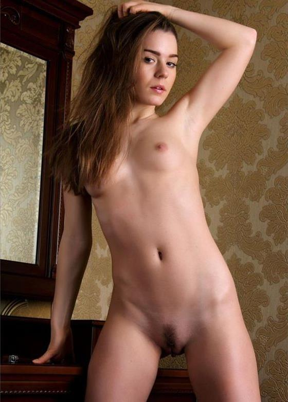 Natural Slovenian Lady Leila High Quality Pics 1 Of 25
