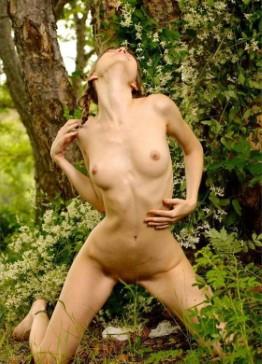 Wild Jamaican Escort Lindsay – Bikini Pictures