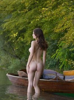 Exotic Indian Model Leila Panties Pics