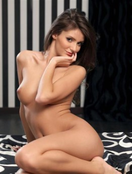 Fit French Escort Josephine Squirting Pictures