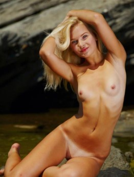 Lovely Belarusian Escort Amirah – Blonde Pictures