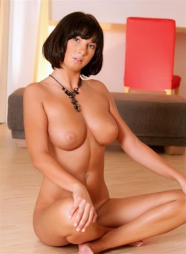 Mature Portuguese Companion Annabella High Quality Pics