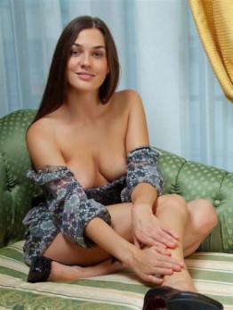Mature Belgian Escort Teagan Feet Photos