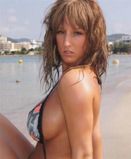 Mature Romanian Escort Tori Bikini Images
