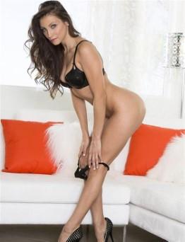 Tight Iranian Escort Melina Upskirt Pictures