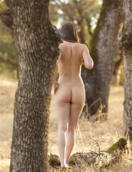 Hot English Lady Fernanda Big Boobs Pics
