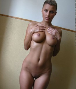 Curvy Bulgarian Female Juliette – Big Boobs Images