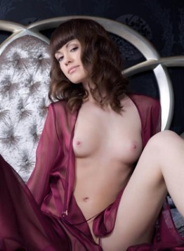 Great European Escort Rosemary – Hairy Pussy Photos