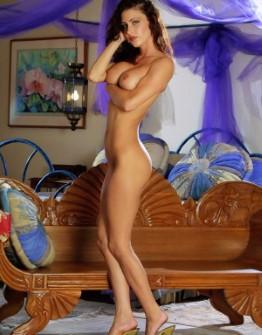 Hot German Female Yesenia Legs Pics