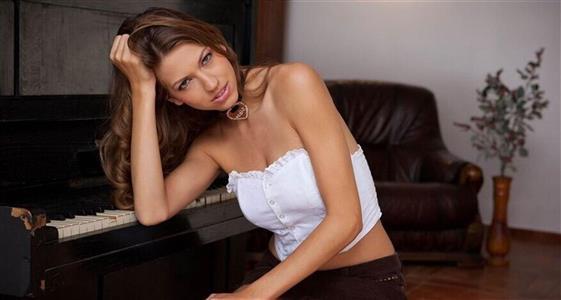 Beautiful Lebanese Call girl in Dubai Foot fetish service - 2