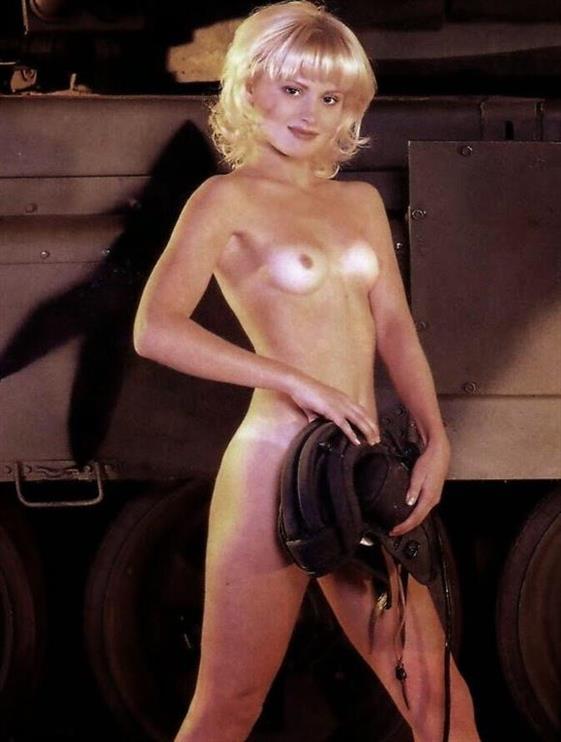 Sexy Belarusian escort in UAE Striptease show - 3
