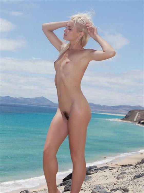 Sensual Greek escorts model Emirates Pussy eating - 6