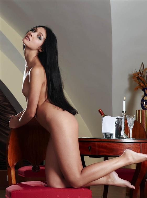 Elite Slovakian massage companion in Dubai Kissing dick - 3