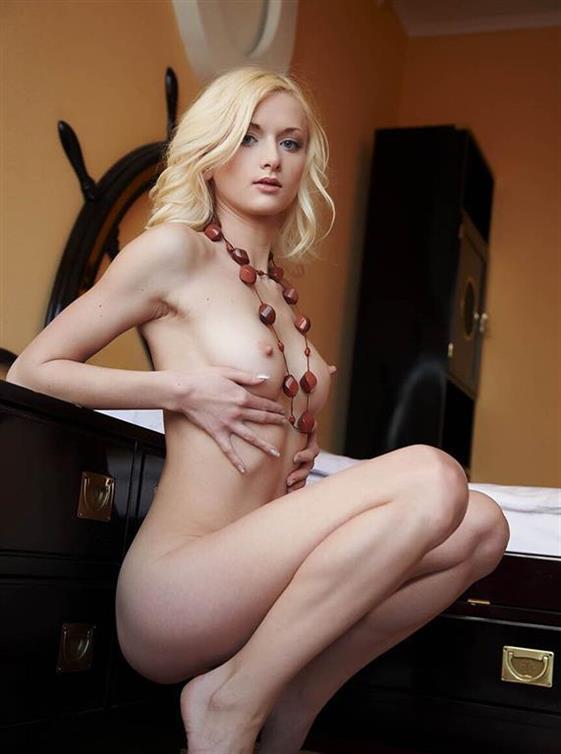 Best Estonian Dubai escort model Kissing dick - 5