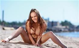 Busty Arabic call girl Dubai Porn star experience