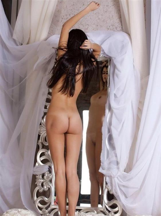 Excellent Italian escorts girlfriend in Emirates Foot sex - 3