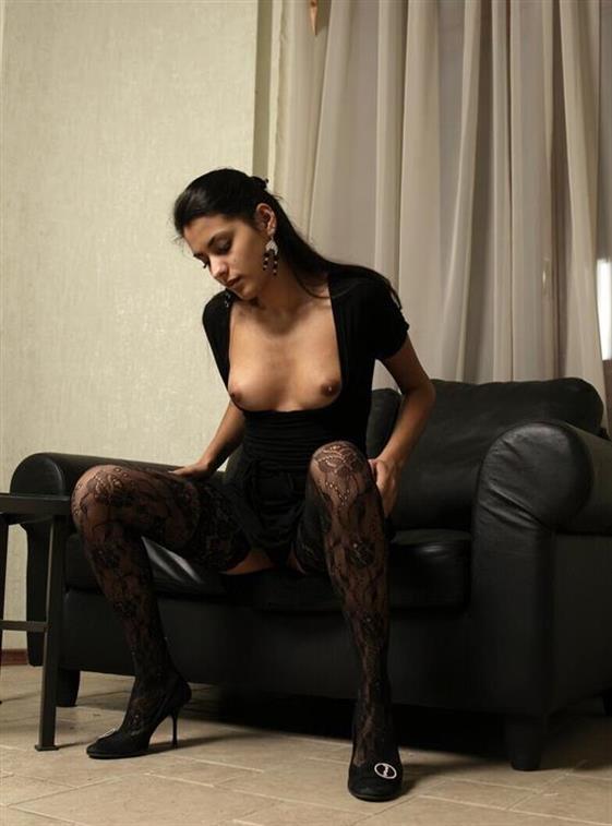 Spicy Latin escort model in Dubai Lesbian show - 4