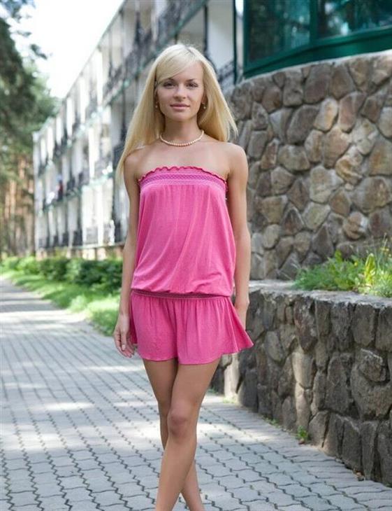 Horny Turkish Dubai escort girl Incall service - 3