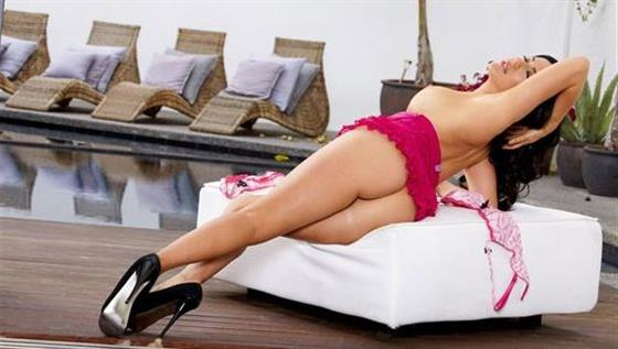 Big boobs Brazilian escort in Dubai Fingering service - 4