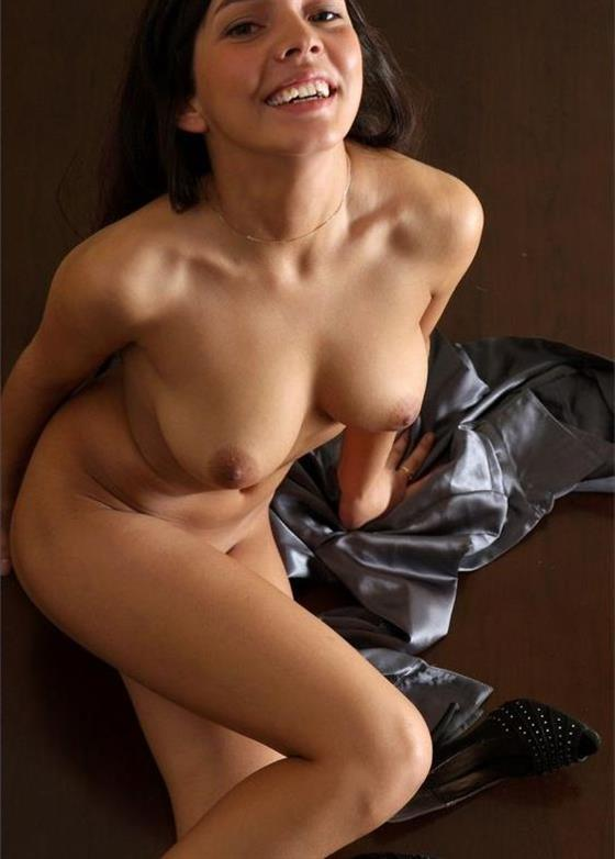 Spicy Arabic escort in Dubai Ball linking service - 4