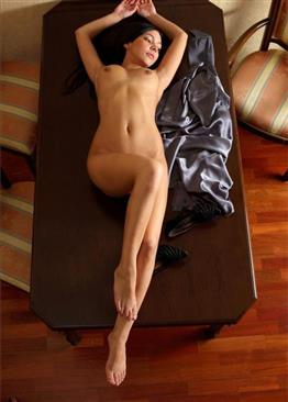 Spicy Arabic call girl Body licking service